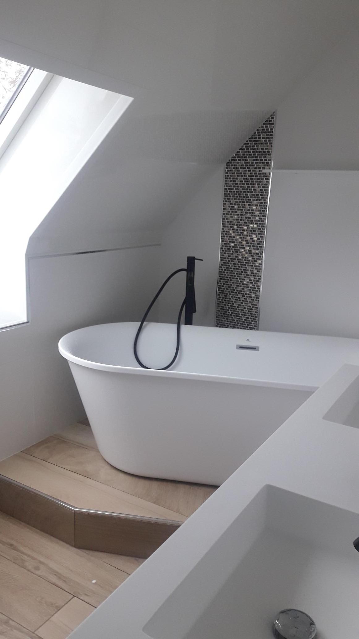 salle de bain avec baignoire îlot LANDEDA | Histoire d\'O