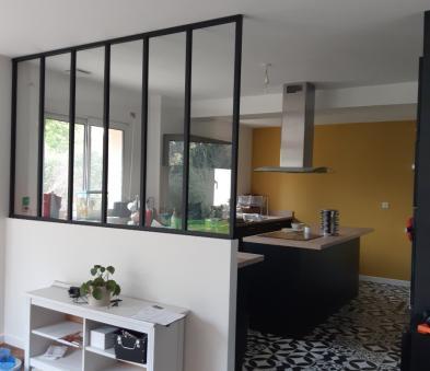 Verrière style atelier en aluminium noir et verre clair