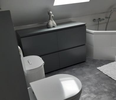 WC suspendu meuble tiroir gris